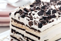 Cakes / by Kelli Jordan