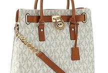 Love That Bag! / by Veronica Delgado