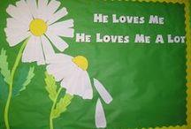 Sunday school bulletin board / by Rhonda Banks