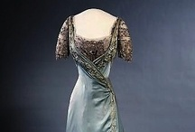 Costumes and historical clothing / A collection of beautiful, historic gowns / by Ann-Marie Desautelle