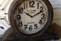 Clocks / by Manja Ebus