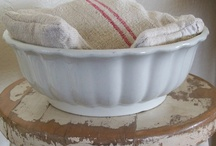 Bowls - Awesome I love these!!! / by Debby Decubellis