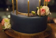 Gorgeous Gâteaux / Eleganty dressed up cakes / by Julie Graham