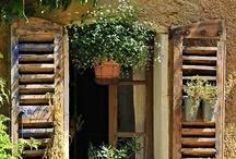 portas, portões e janelas / by Beth Salgueiro