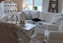 Creamy & whites / by Loes Vd Veer