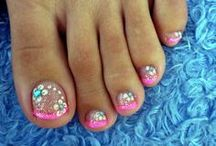 Nails / by Christine Garity