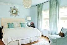 Bedroom / Decor ideas for bedroom. / by Sara Soares