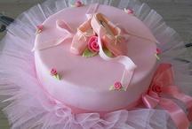 Cakes / by Miranda Brannon