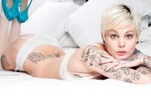 Ink / [EN] Sexy girls with tattoos [ES] Chicas sexys con Tatuajes [PT] Sexy girls com tatuagens / by Feligueira