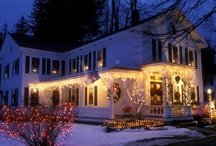 Porches Decorated for Christmas / by Carolyn Tarver
