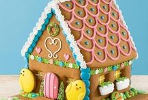 Gingerbread house / Sugar Cookie Ideas / by Jill Elmer
