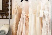 Pretty Dresses / by Lydia Ekin