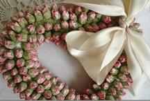 Wonderful Wreaths / by Kim Cisneros