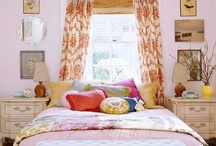 Pretty Bedrooms / by Mod Vintage Life {Nita Stacy}