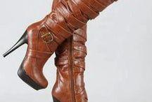 Ciao Bella Scarponi / Boots / by Alicia Hughes