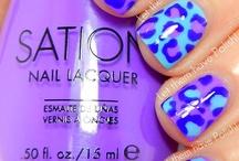 Nails / by Mia de Haan