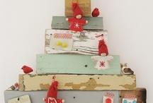 Navidad-Pinos de Navidad-Christmas trees / Diferentes arboles de Navidad, papel, alambre, tela, corcho, madera.... / by Teresa Ruiz Garcia