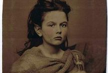 Cabinet Cards and Vintage Photos / by Wendy @ AppleApricot