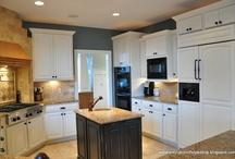 kitchen cabinets / by Sharyn Greenstein