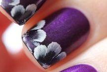Nails / by Cassidy Budde