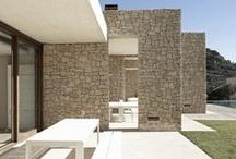 Piedra / Materiales. Uso de la piedra como material de fachada en edificación. / by Enrique Rayon
