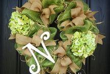 Wreaths / by Natalie Mahiques