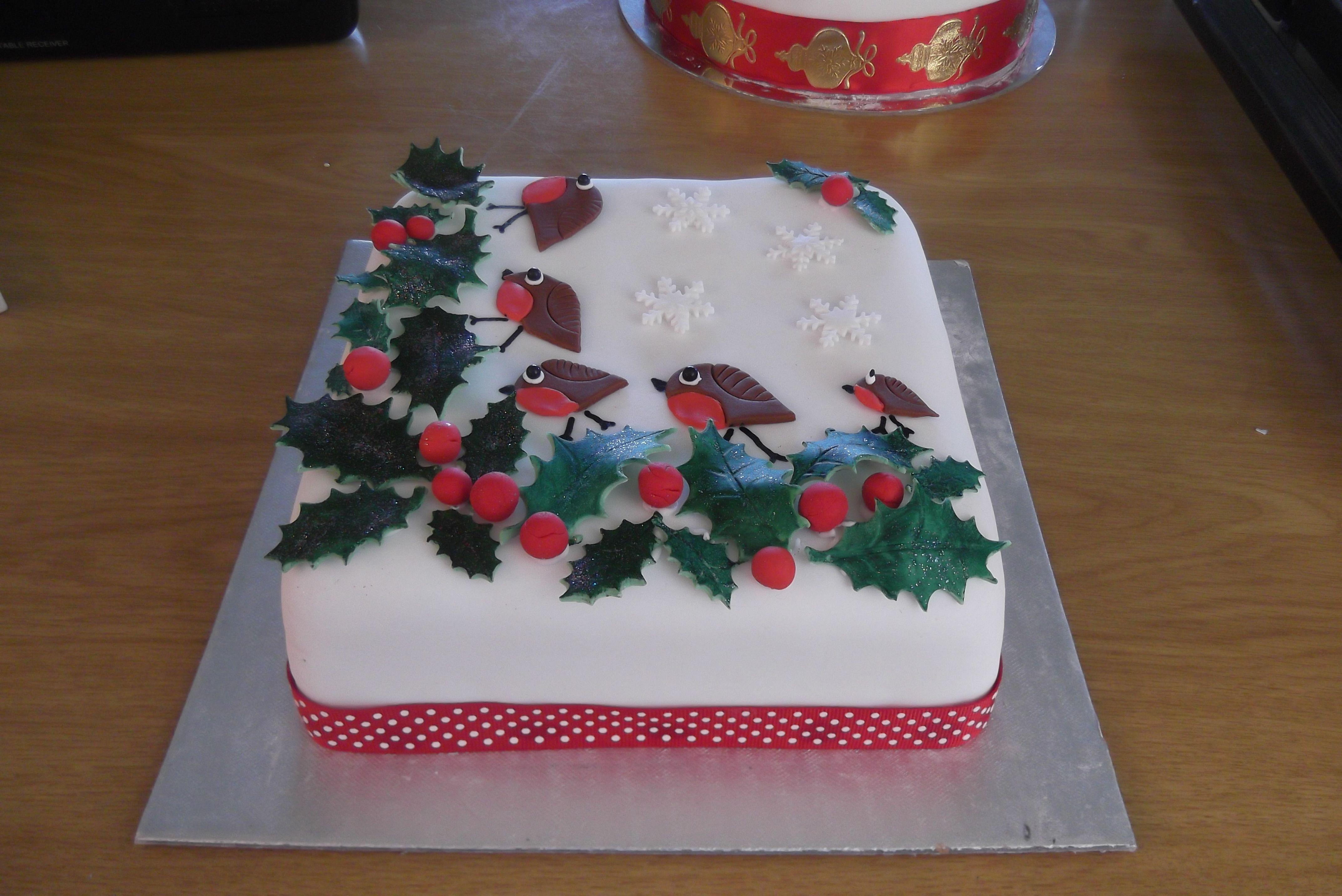 Christmas Cake Ideas Robin : Robin Christmas cake Christmas cake designs Pinterest