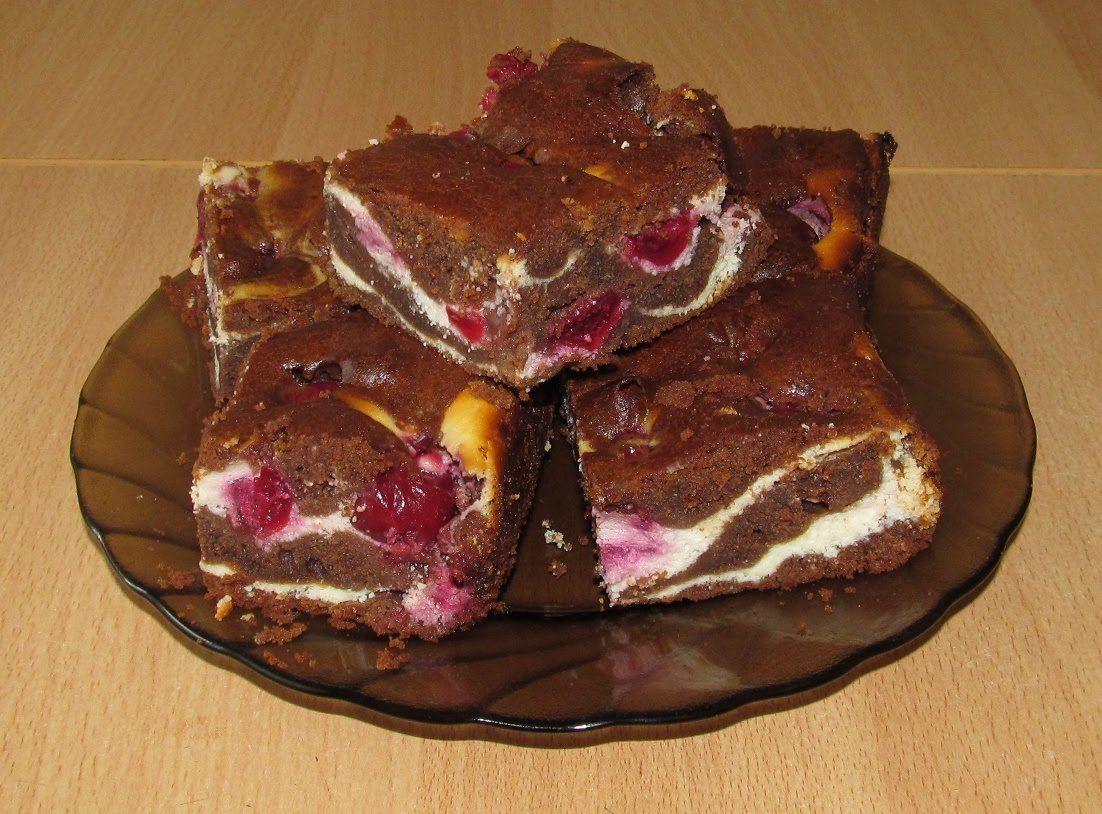 Торт шоколадный брауни с вишней и творогом рецепт