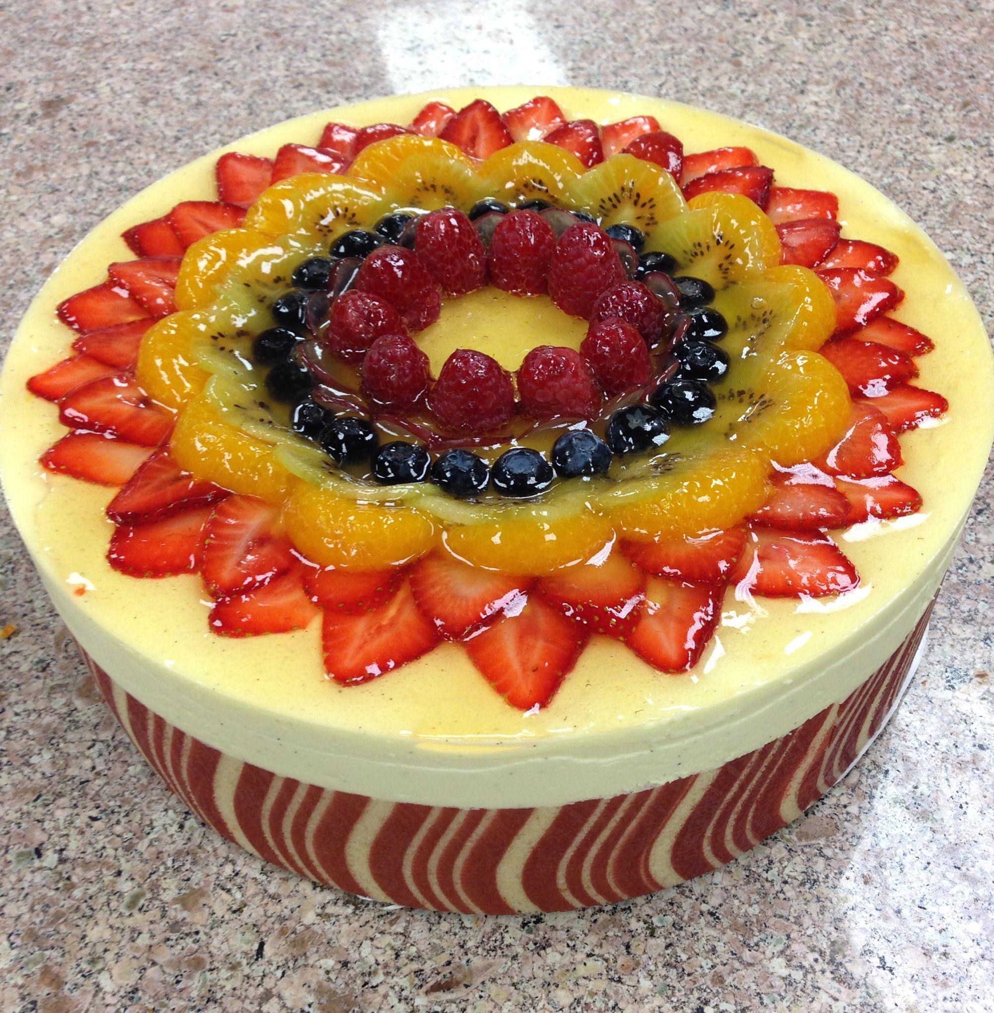 Bavarian cream torte with fresh fruit | Pastry | Pinterest