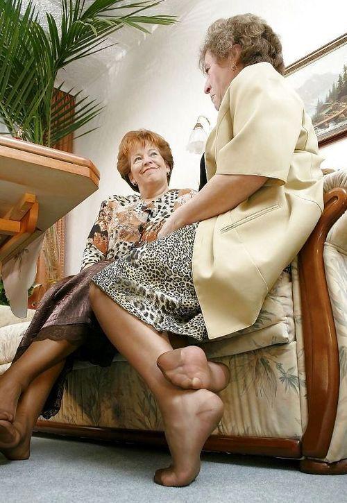 Куни Бабушкам В Чулках