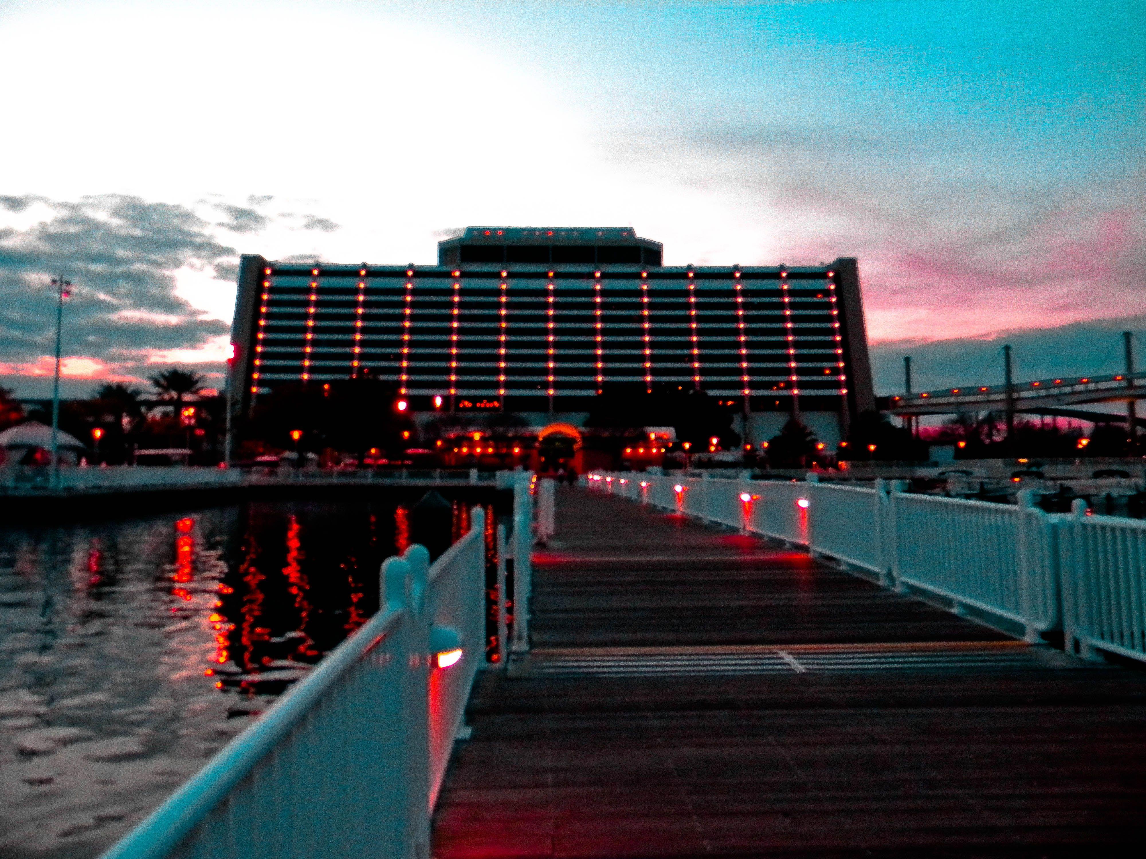 Disney 39 s contemporary resort disney pinterest for Contemporary hotel