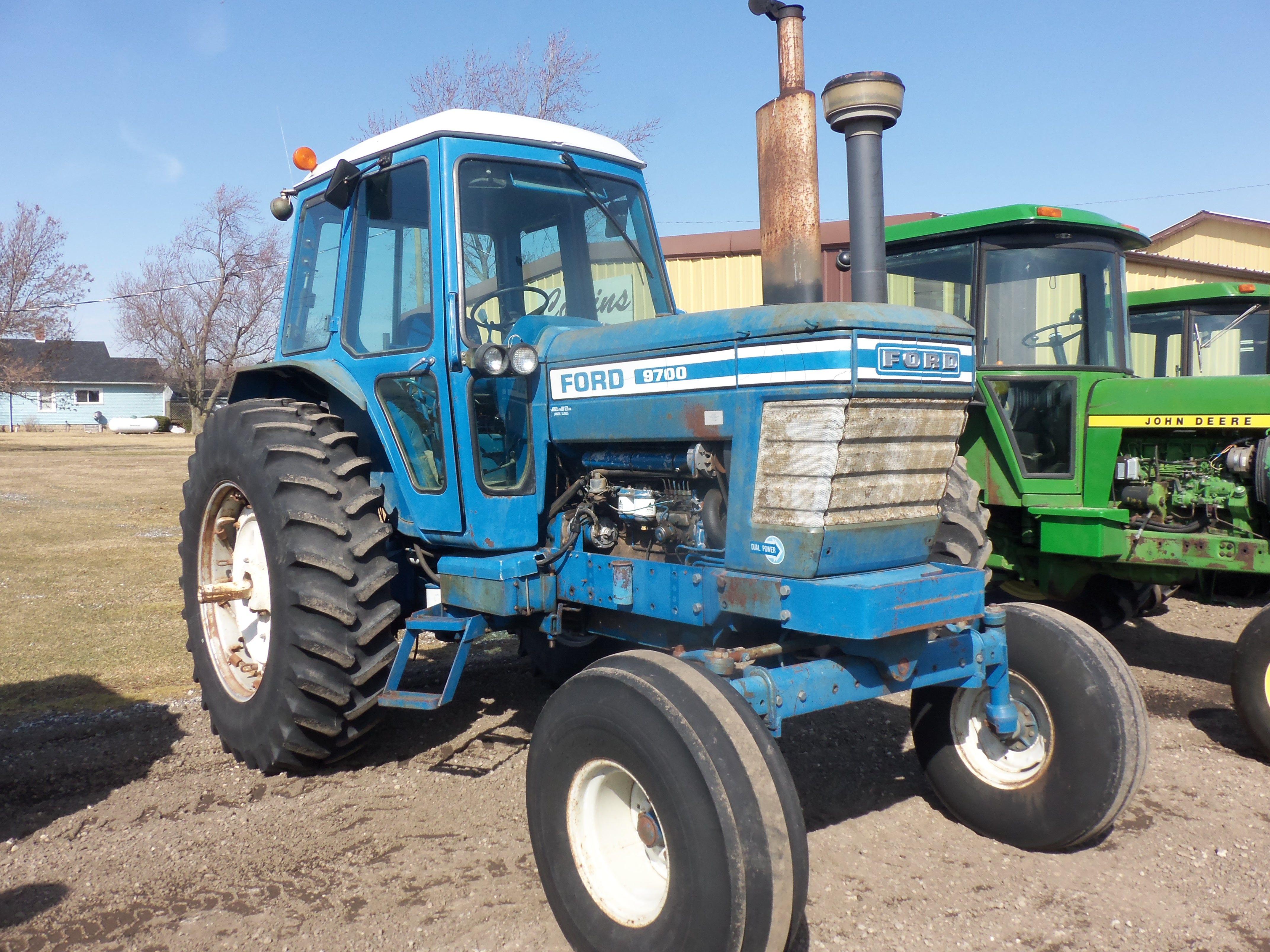 9700 Ford Farm Tractor