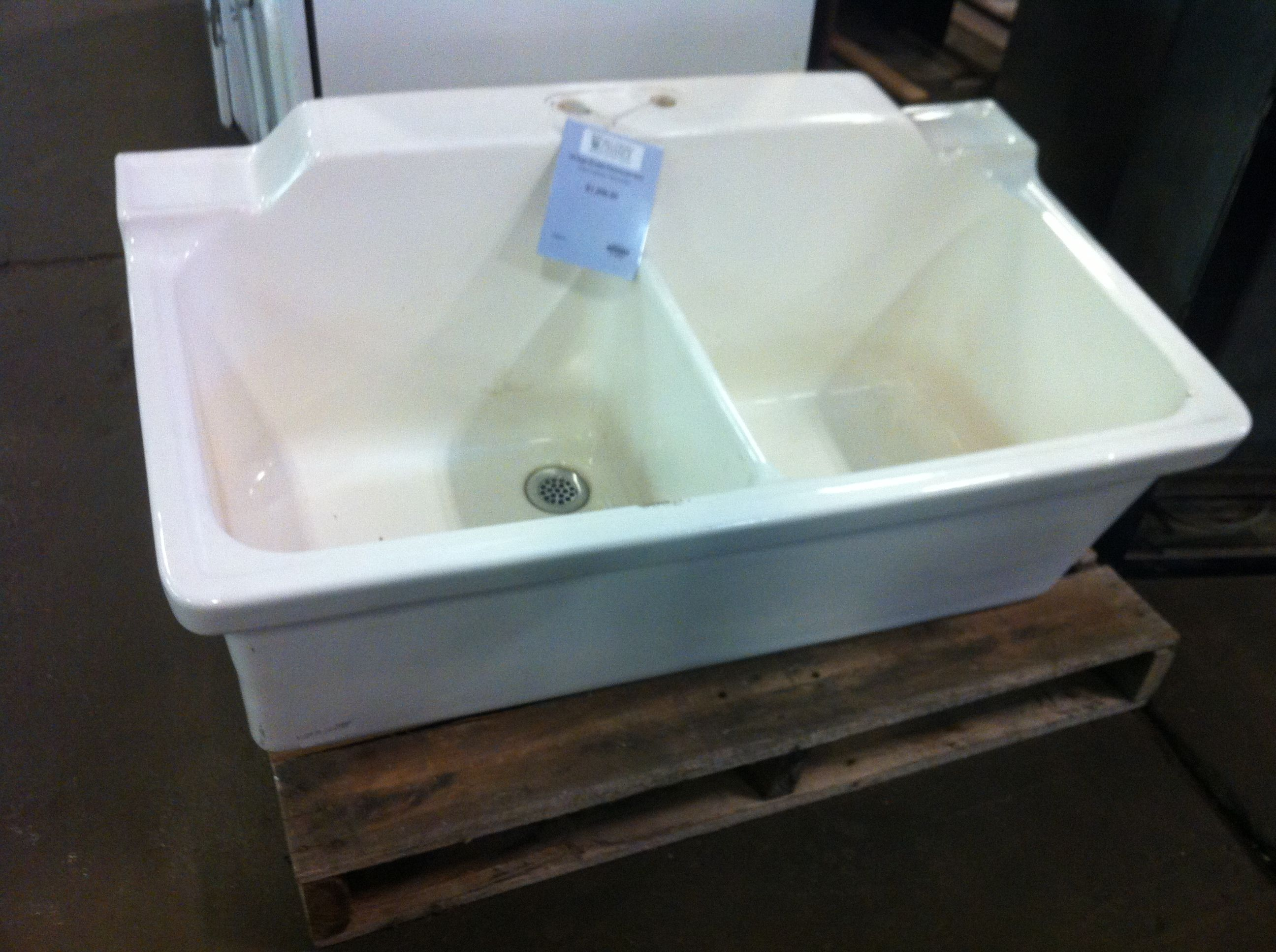Ceramic Laundry Tub : Ceramic utility sink Home- LAUNDRY ROOM Pinterest