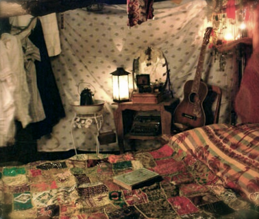 artsy boho bedroom oh my gosh that quilt room dorm