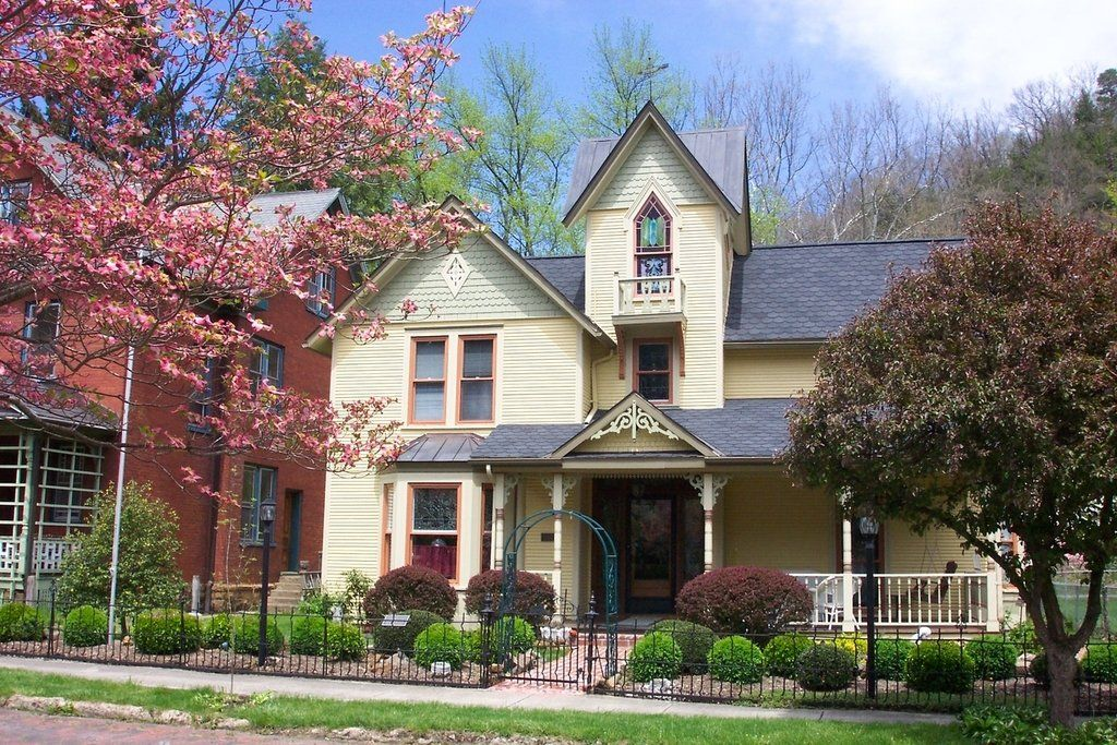 Historic home bramwell west virginia west virginia for Home builders in wv
