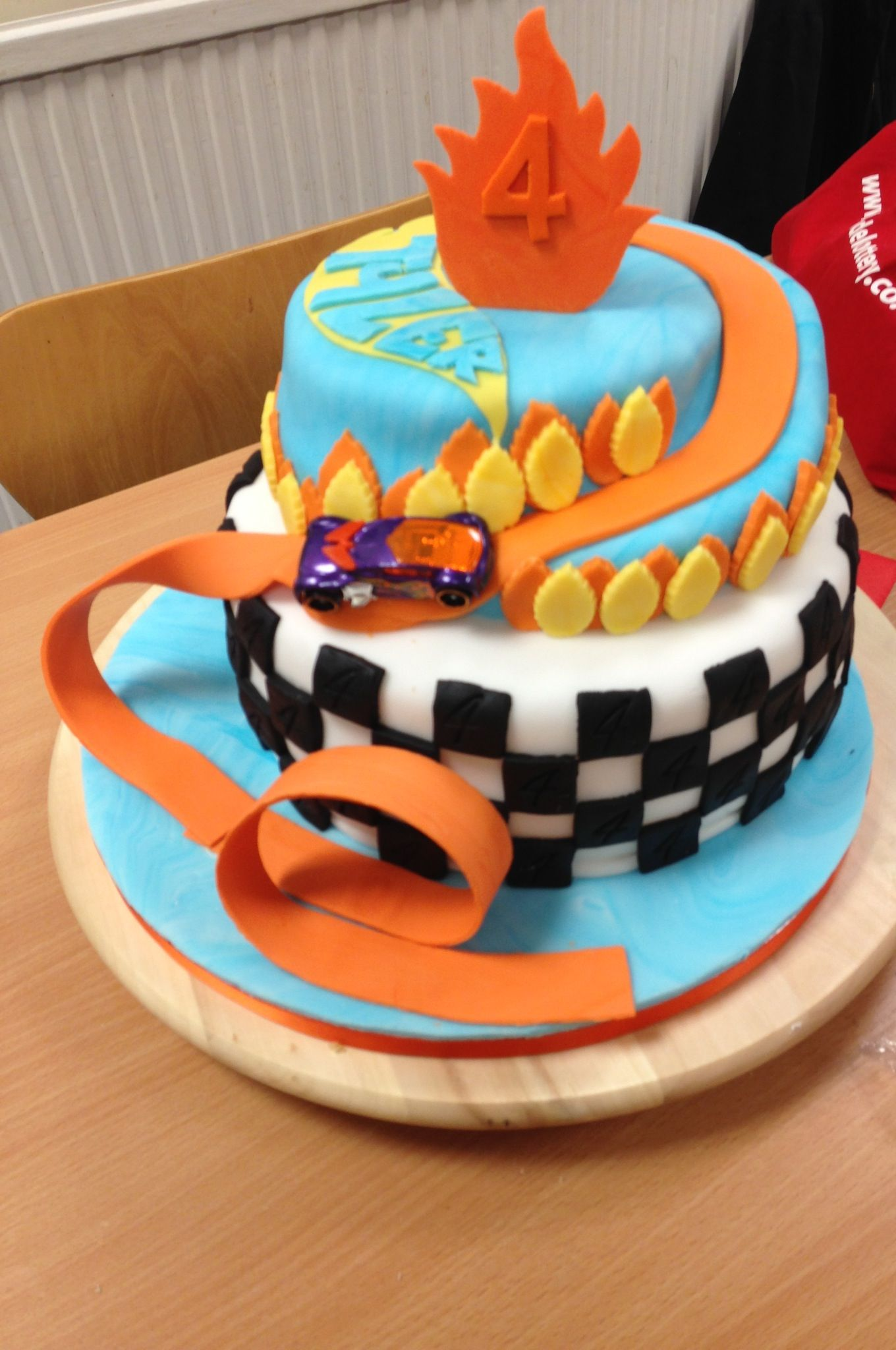 Images Of Hot Wheels Cake : Hotwheels cake Kid parties Pinterest