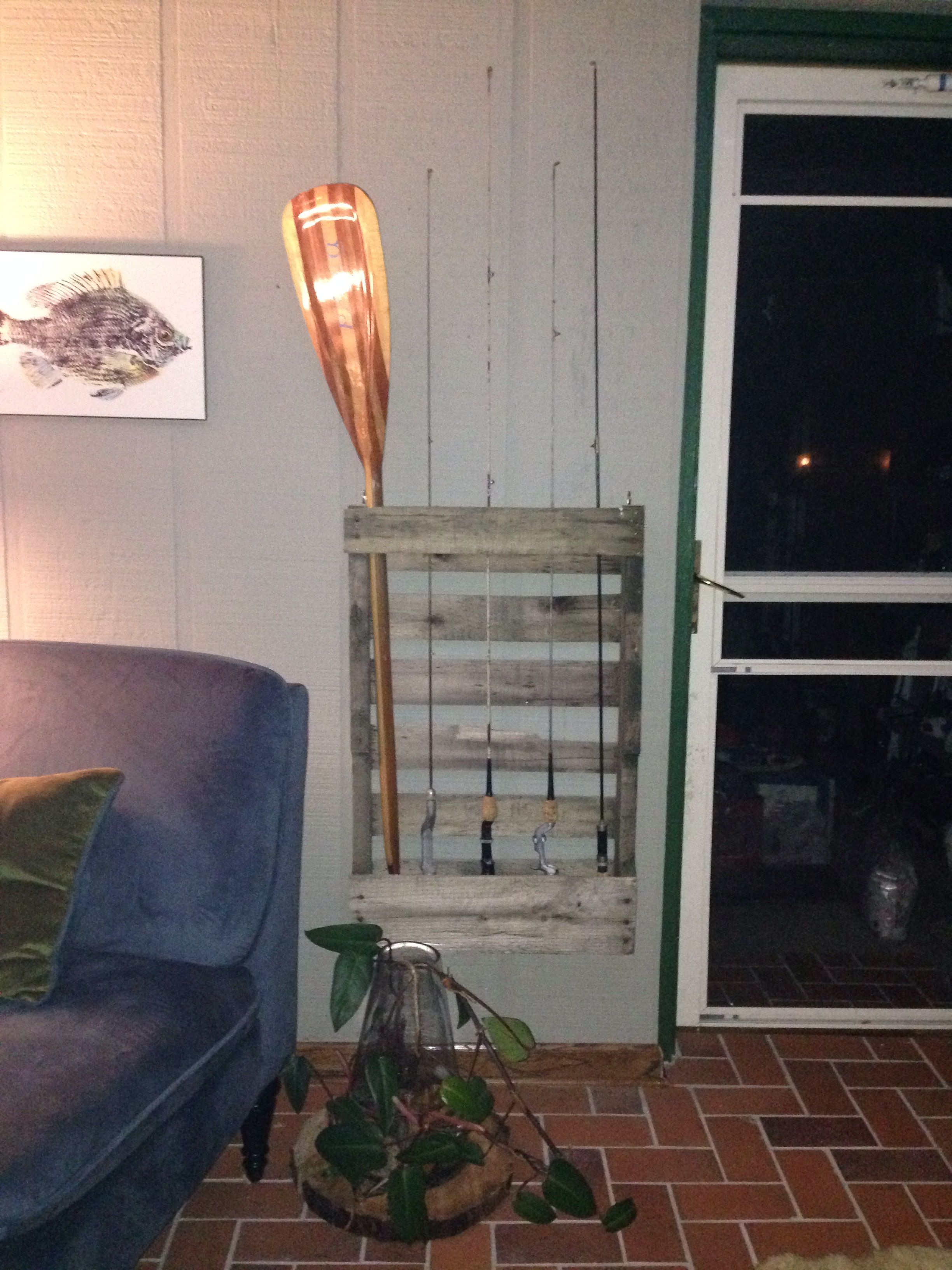 Pallet fishing rod holder for the home pinterest for Fishing rod holders for home