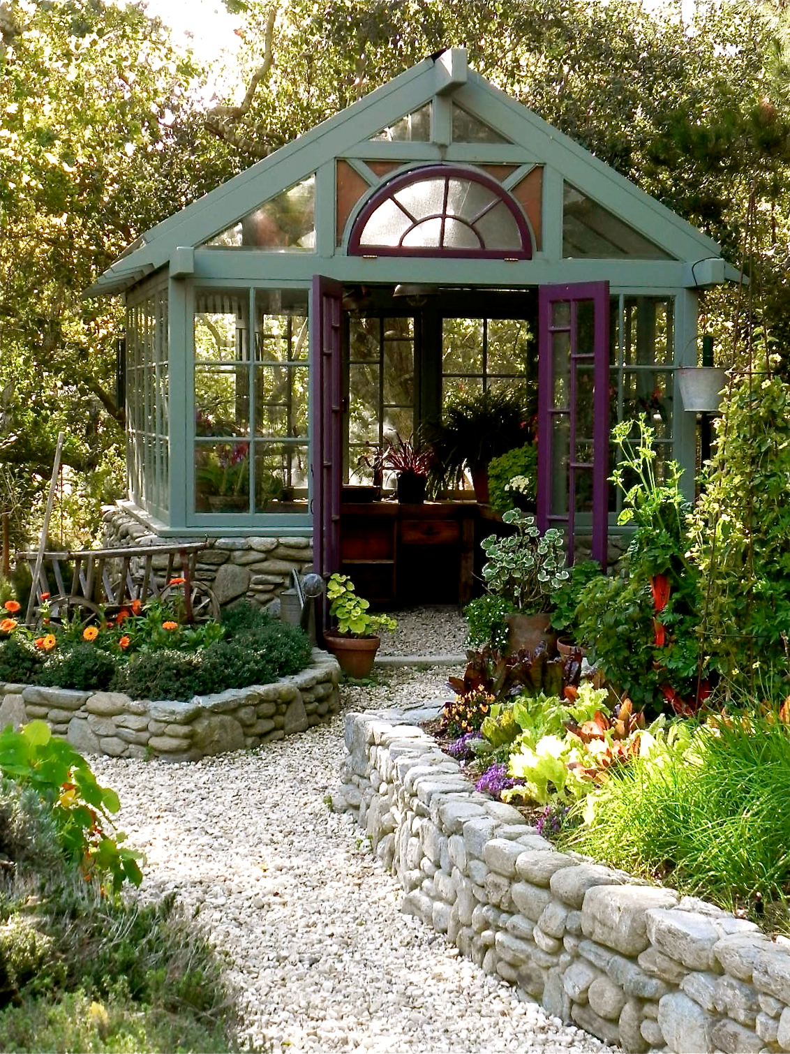 Greenhouse so quaint pinterest for Garden greenhouse design