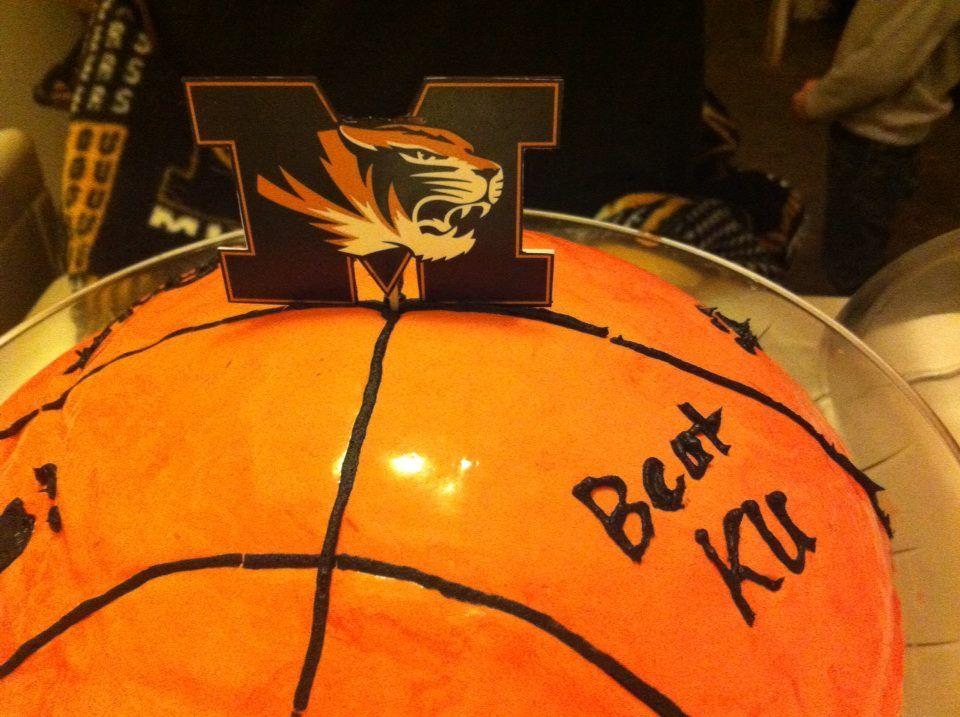 Pin Homemade Basketball Birthday Cake Cake On Pinterest