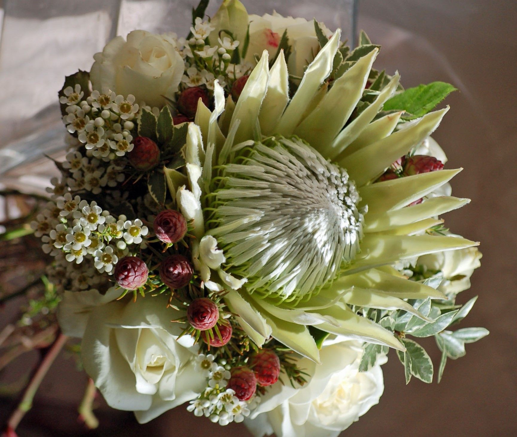 Pin by diana roy on king protea bouquets centerpieces for King protea flower arrangements