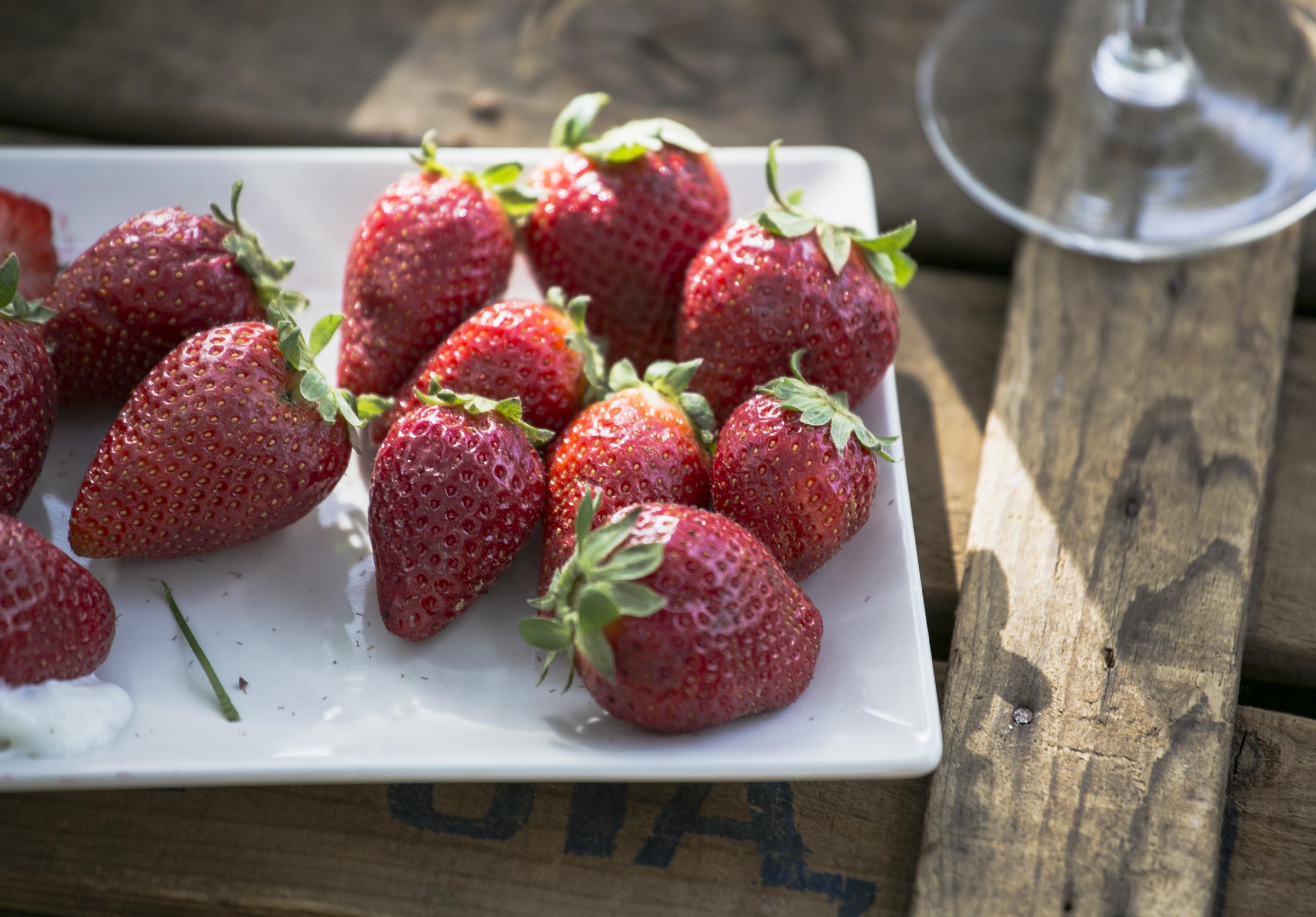 Para endulzar el pre boda nada mejor que fresas de Aranjuez con nata.