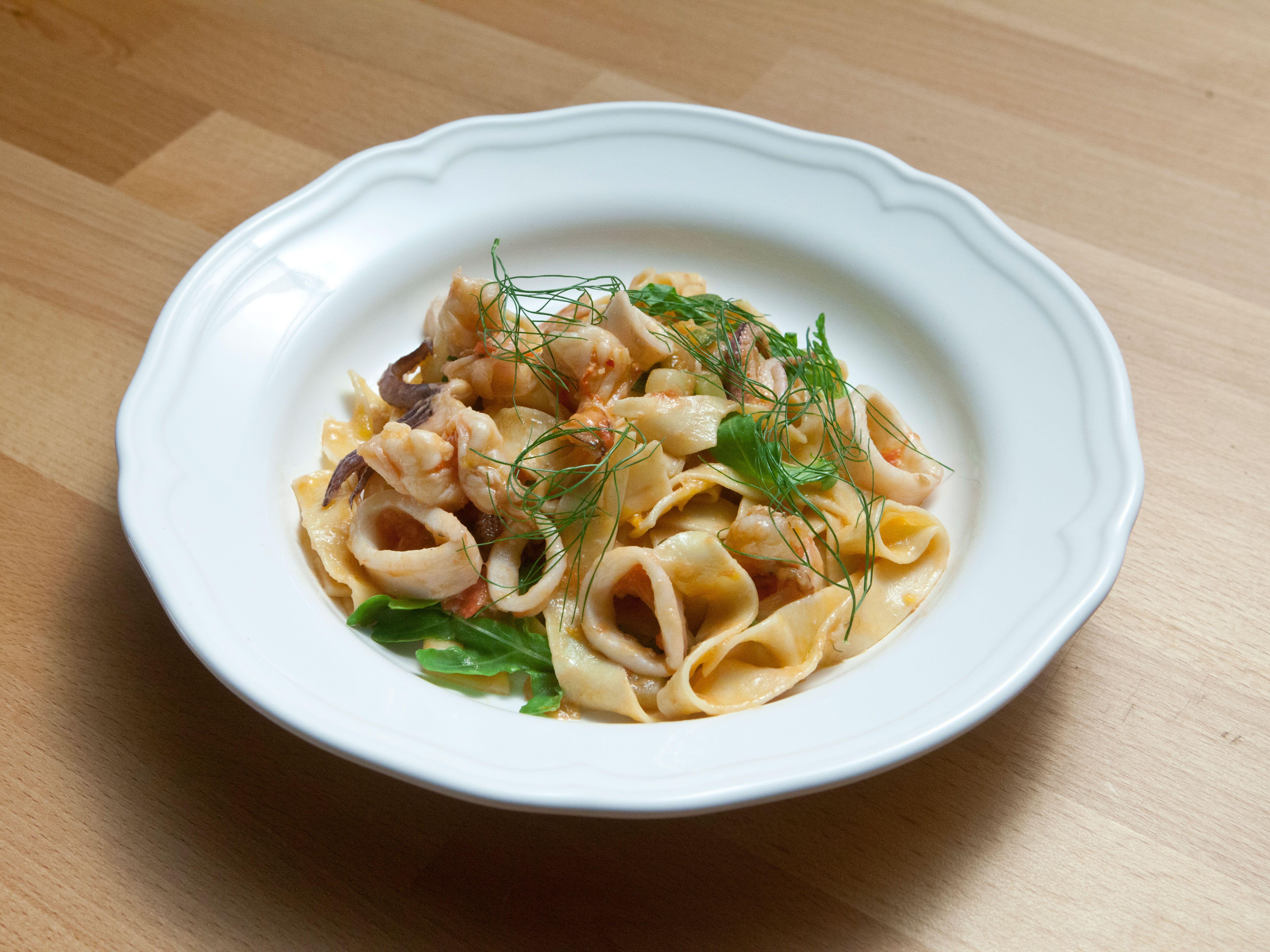 Tagliatelle with Shrimp and Squid | Recipe in 2018 | Pasta ...