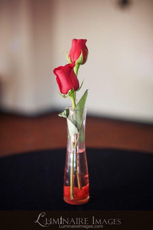 Minimal red rose centerpiece mom s wedding ideas pinterest
