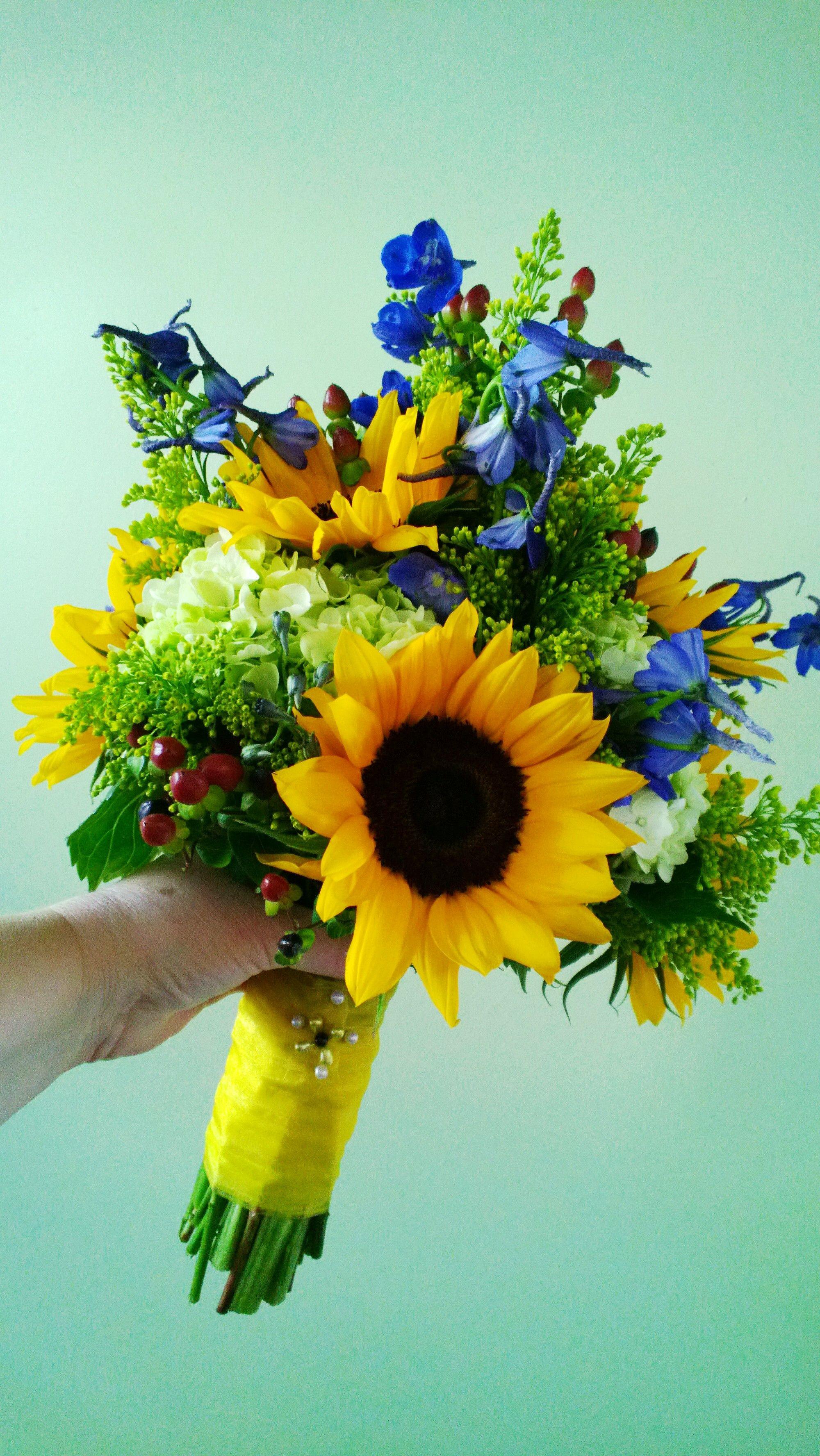 Sunflower Fun Wedding Bouquet Dream Wedding Pinterest