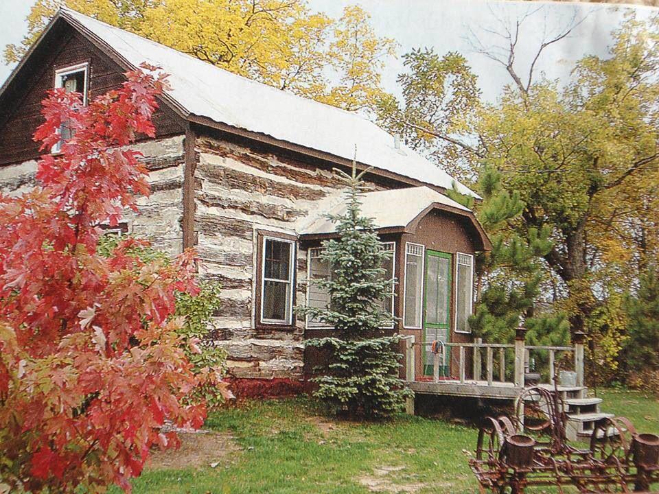 Rustic old log cabin houses pinterest for Rustic log homes
