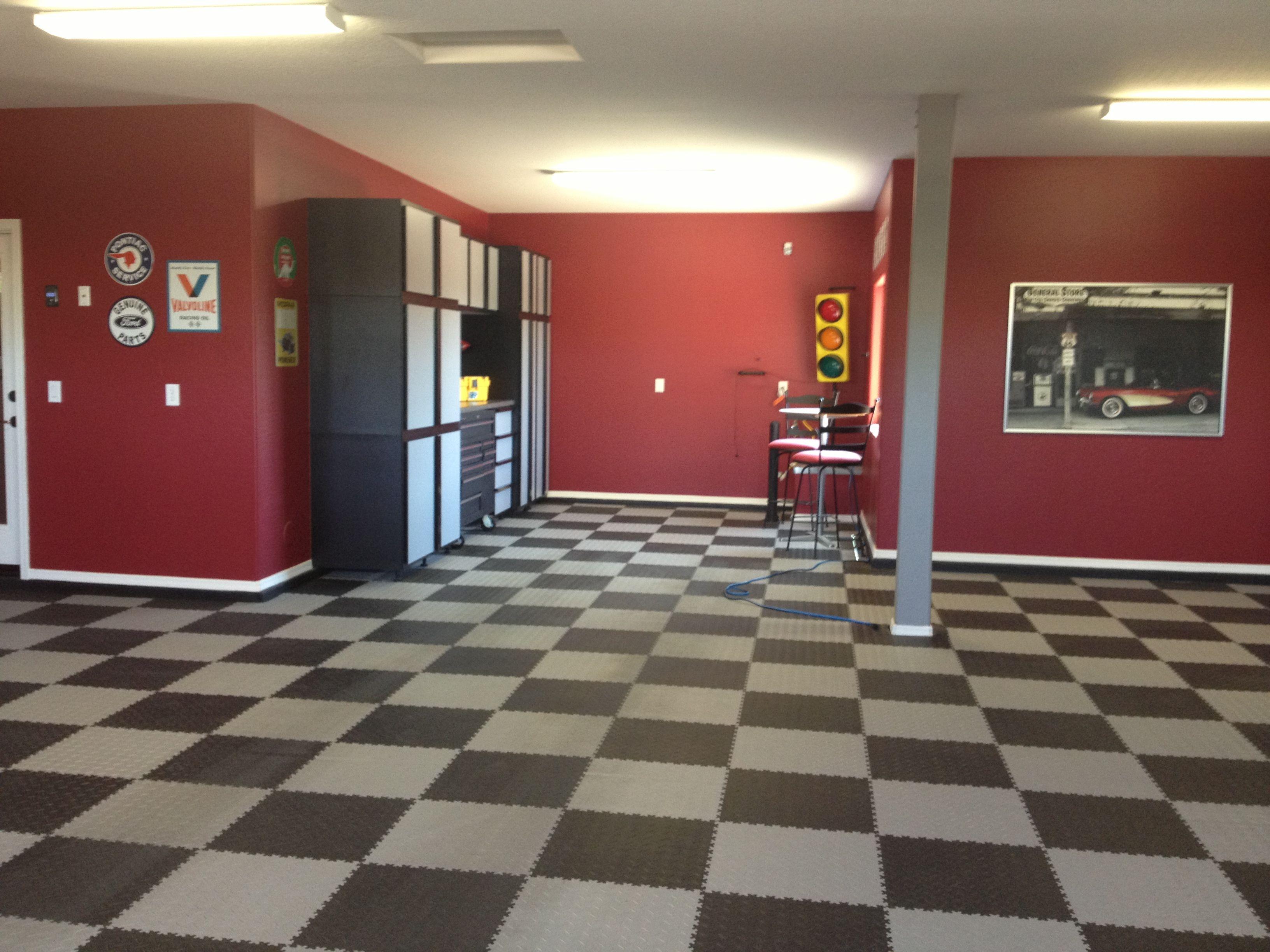 Paint garage walls checker floor garage ideas pinterest for Pictures of painted garage walls