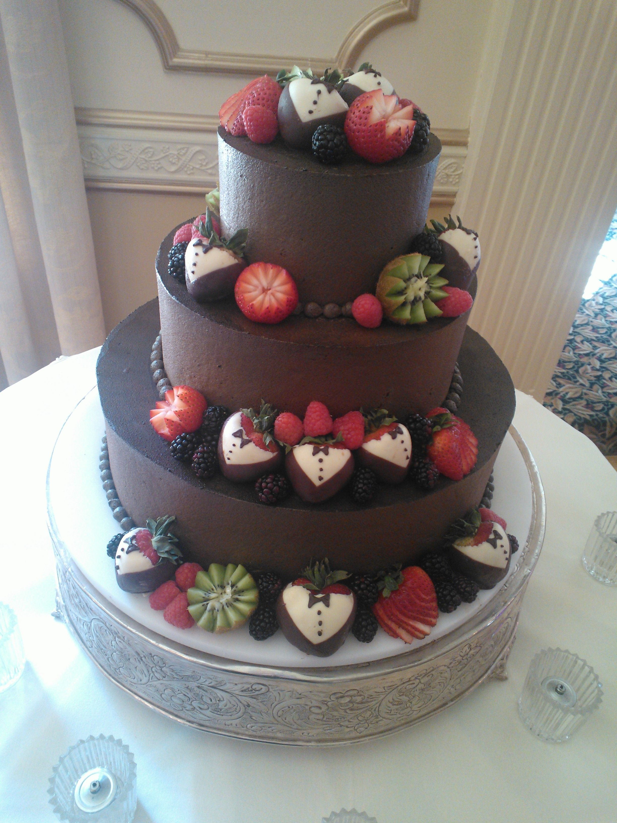 Cake Decorated With Fruits Pinterest : Wedding cake decorated with fruit Cake: with fruit ...