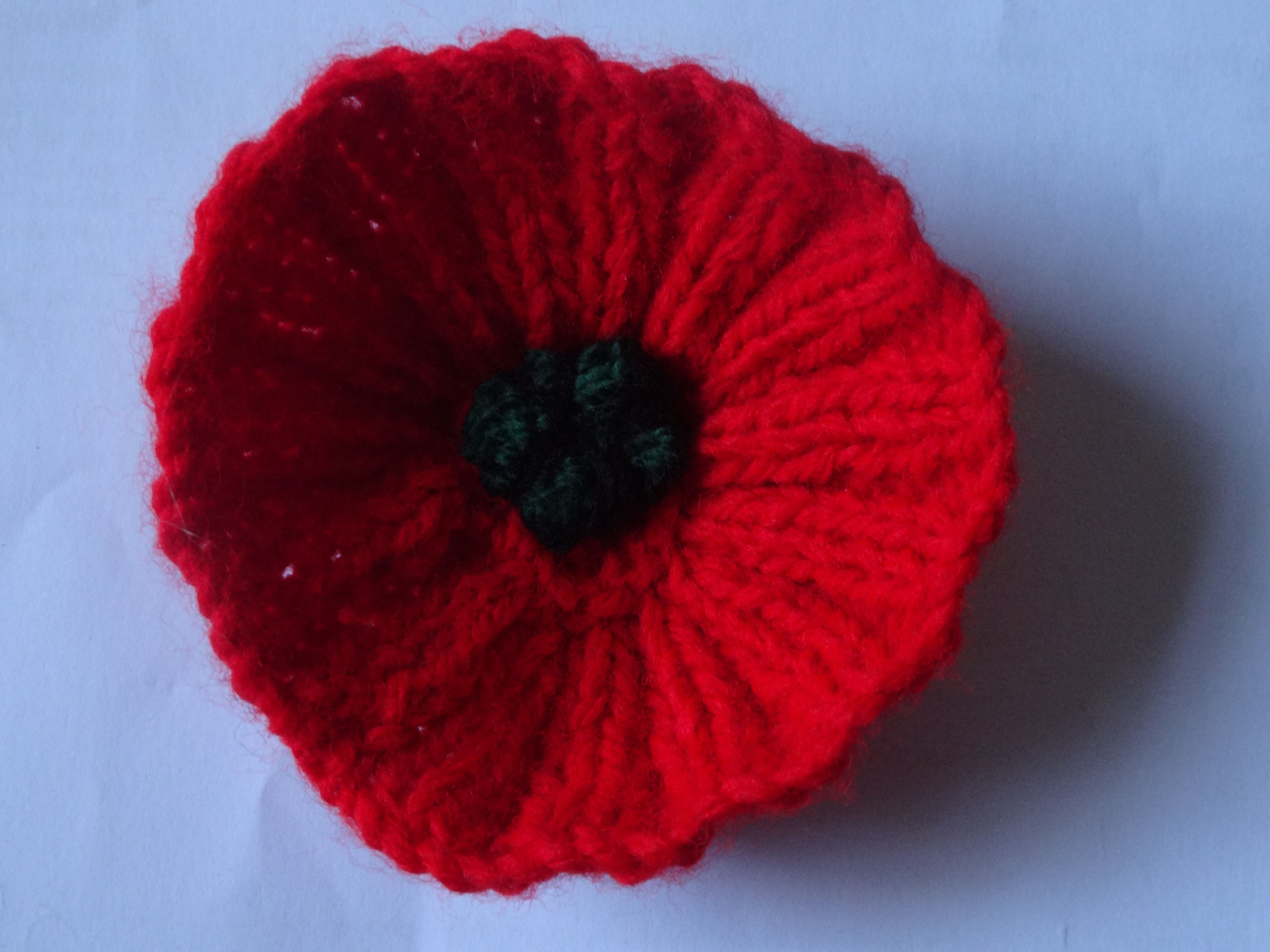 Knitting Pattern For Anzac Day Poppies : Pin by Tracey on Knitting & Crochet Pinterest