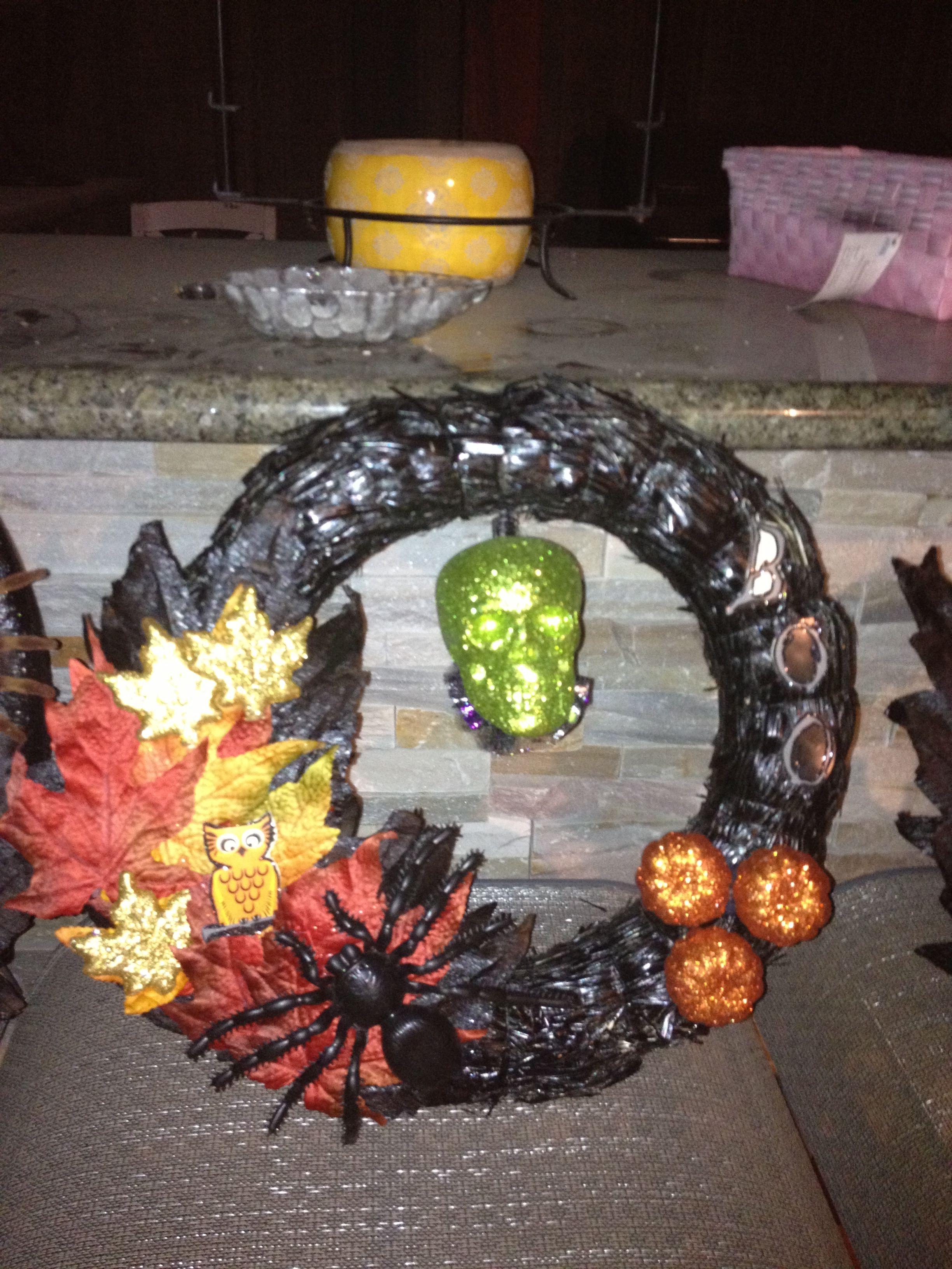 Diy Halloween Wreaths Wreaths Door Deco Pinterest