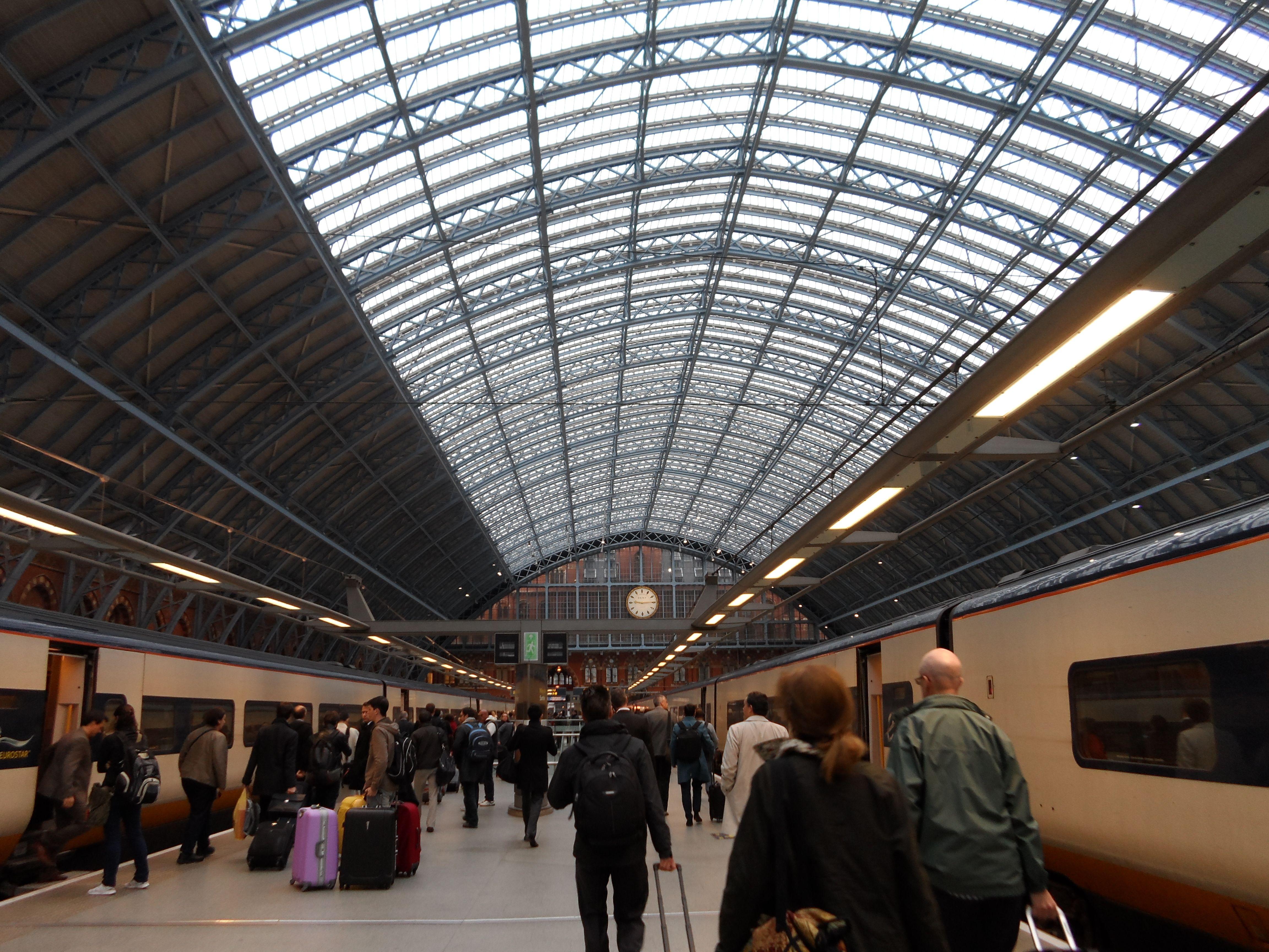 london to paris eurostar train station places to go. Black Bedroom Furniture Sets. Home Design Ideas